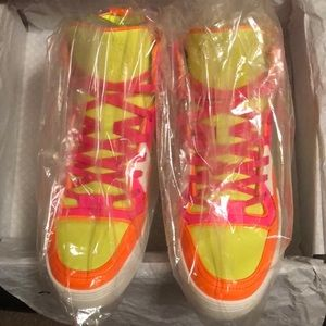Gucci high top neon sneakers